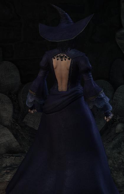 black_witch_set_back.png